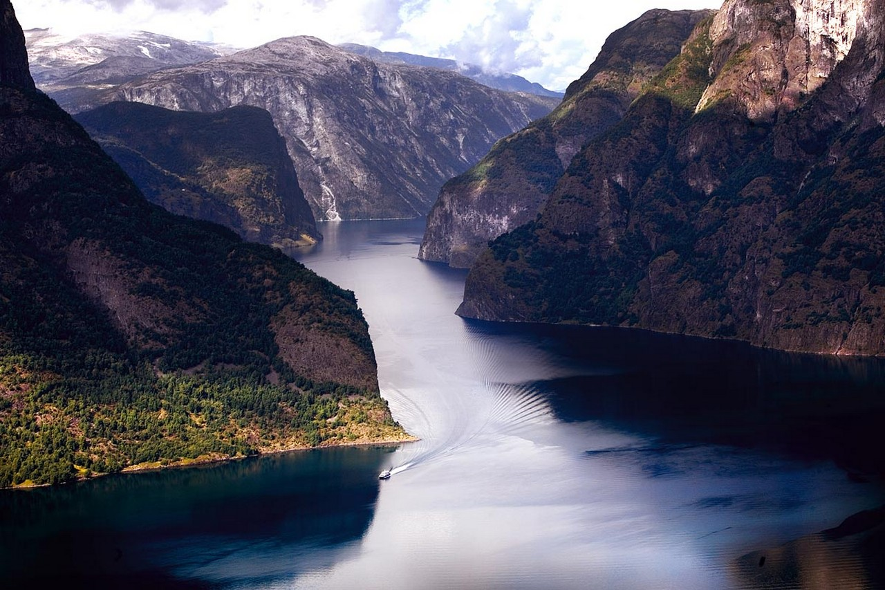 http://ryanair-ru.com/images/stories/Norvegija/Sogne%20fjord%20anfaz.jpg